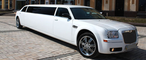 limuzin-chrysler-300c-white-main